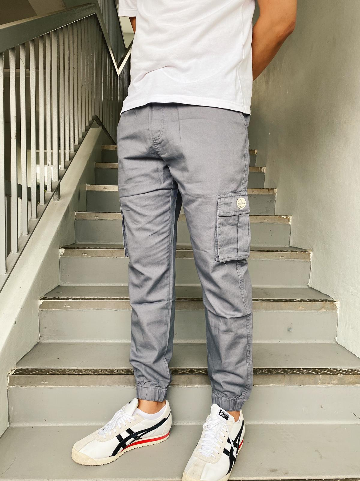 *Up to 48 inches* Cargo Joggerpants