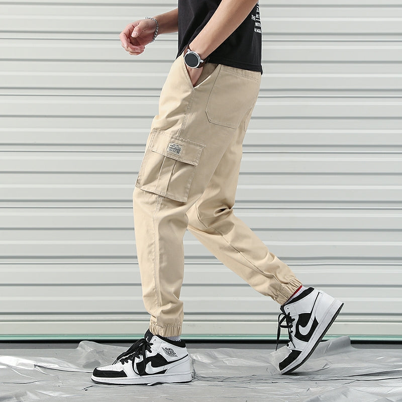*Up to 56 inches* Cargo Joggerpants