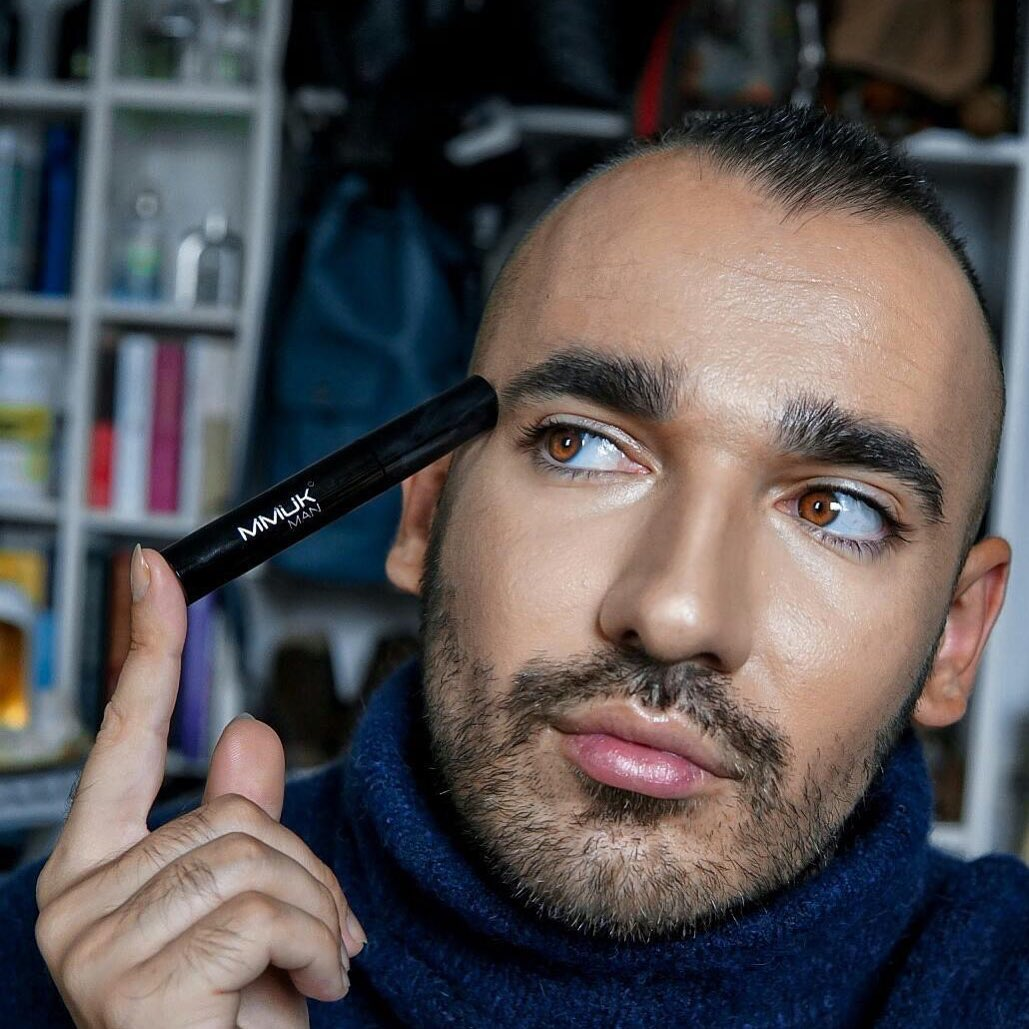Mascara For Men - Why Its Normal Now To Wear Mascara & Not Be Ashamed