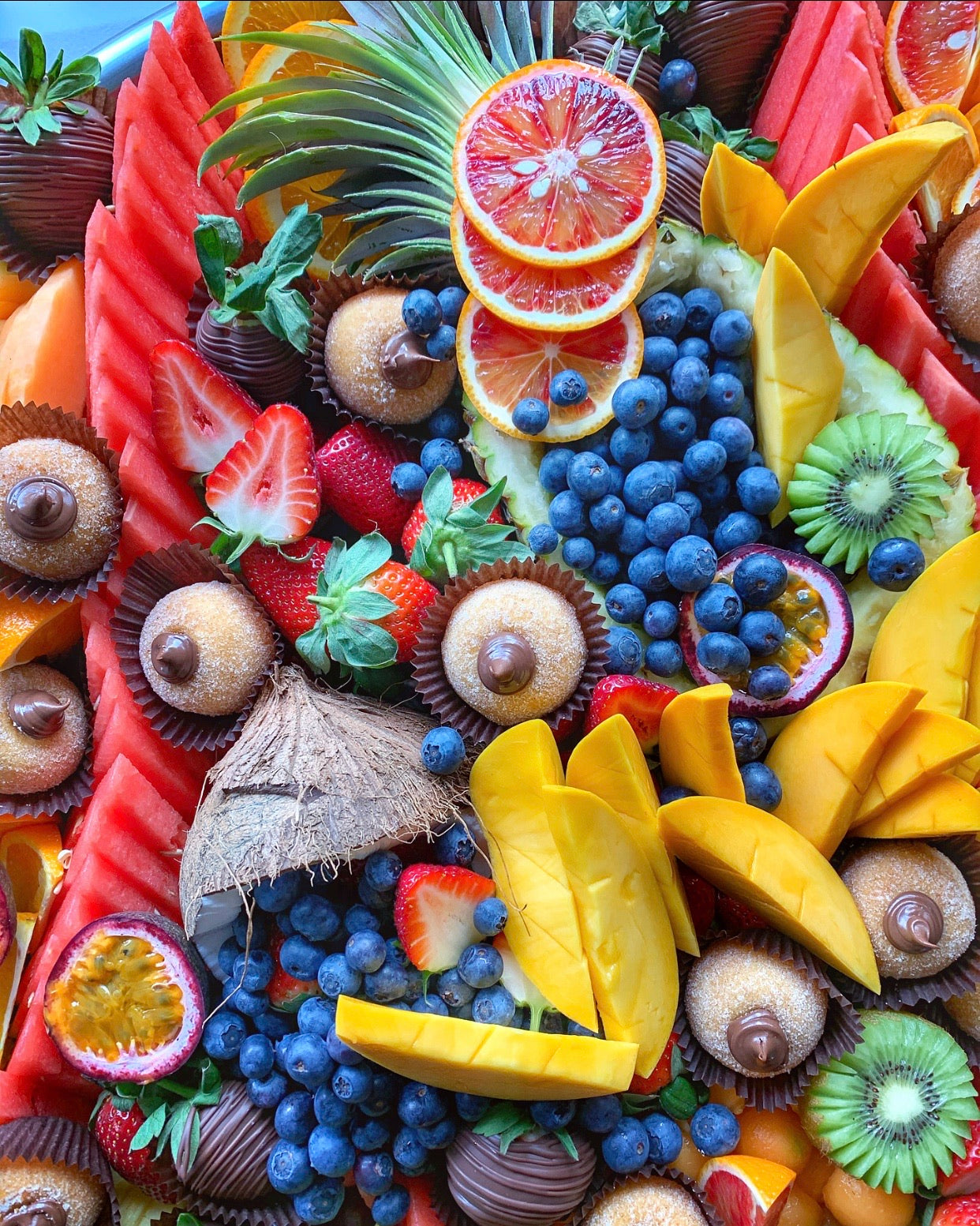 Medium Fruit & Dessert Platter