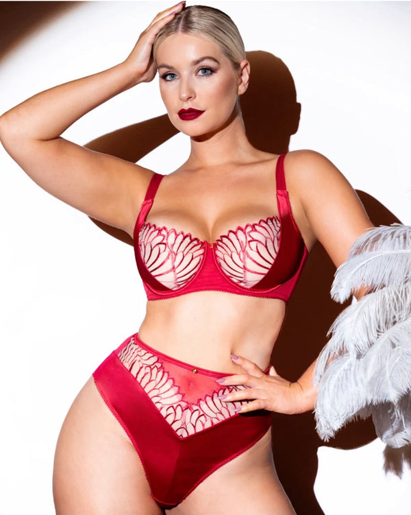 Valentine's Day lingerie for fuller busts