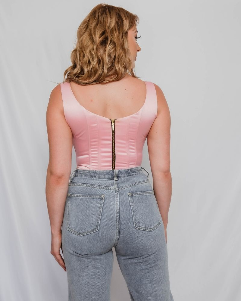 Corset tops for curves