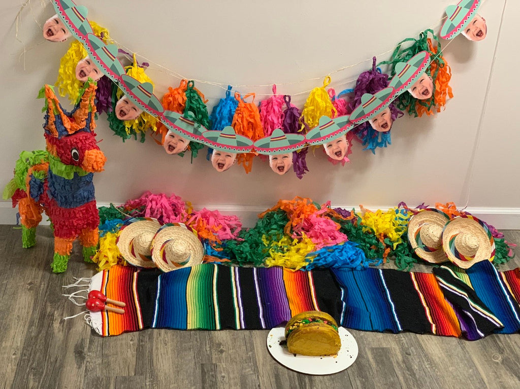 Sombrero banner for fiesta party