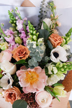 Load image into Gallery viewer, Hand Tied Bouquet