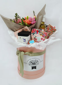 Afternoon Tea Gift Box With Fresh Flowers