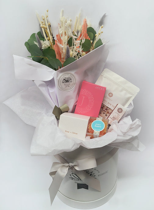 Small Gift Box With Dried Flowers