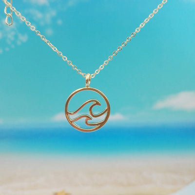 Double Wave Necklace in gold