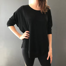 Load image into Gallery viewer, Pullover - black - studded