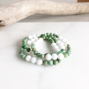 Set of Three Beaded Stretch Bracelets. Boho Beaded Bracelet. White and Green Beaded Stacking Bracelet. Holiday Gift. Christmas Gift.