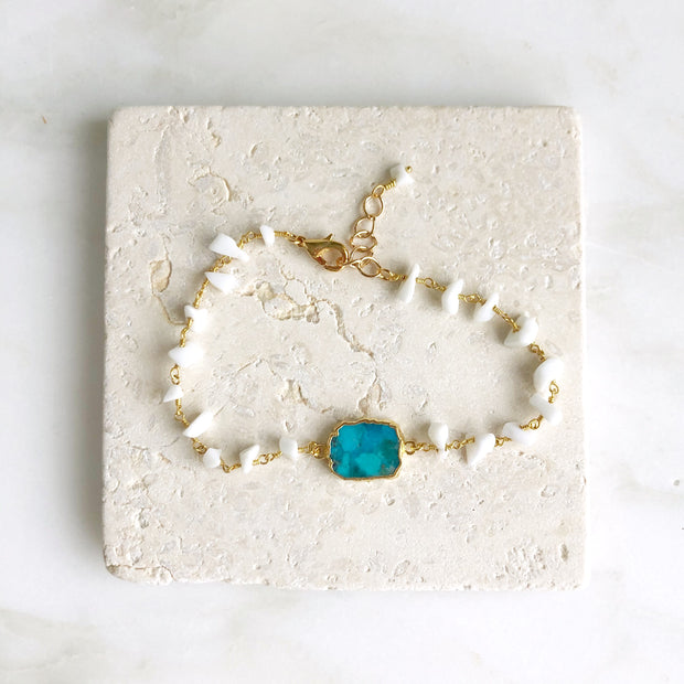 Turquoise Slice Bracelet with White Freeform Beaded Chain. Beaded Bracelet