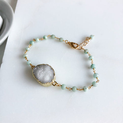 White Druzy Bracelet with Amazonite Beads. Druzy Bracelet. Boho Jewelry. Raw Stone Bracelet.