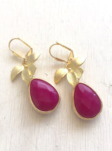 Load image into Gallery viewer, Fuchsia Pink Teardrop Earrings with Gold Orchid. Pink Dangle Earrings. Bridesmaids Earrings. Jewelry Gift for Her. Drop Earrings.