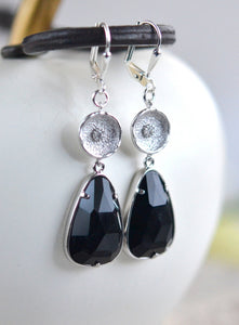 SALE - Black Stone Dangle Earrings in Silver. Black Drop Earrings. Black Silver Drop Earrings. Gift. Jewelry.
