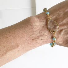 Load image into Gallery viewer, Beaded Bracelet with Aqua Blue or Purple Stones and Clear Arrowhead in Gold. Beaded Bracelet. Gemstone Bracelet. Beaded Bracelet. Jewelry