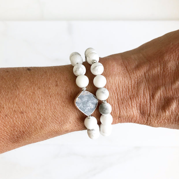 Set of Two Stretch Bracelets with Labradorite and White Howlite in Silver