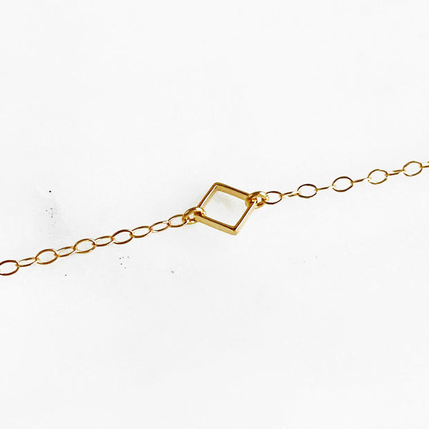 Dainty Gold Square Bracelet. Simple Gold Charm Chain Bracelet