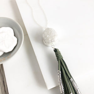 Boho Tassel Necklace. White Druzy and Green Tassel Necklace in Silver. Boho Jewelry. Gift Idea.