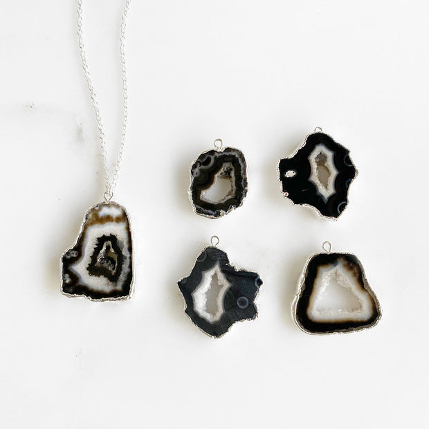Black Raw Stone Druzy Necklaces in Silver. Black Crystal Pendant Necklace