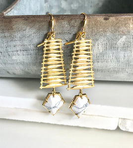 Unique White Arrow Dangle Earrings in Gold. Statement Earrings. Dangle Earrings. Chandelier Earrings. Fashion. Drop. Jewelry Christmas Gift