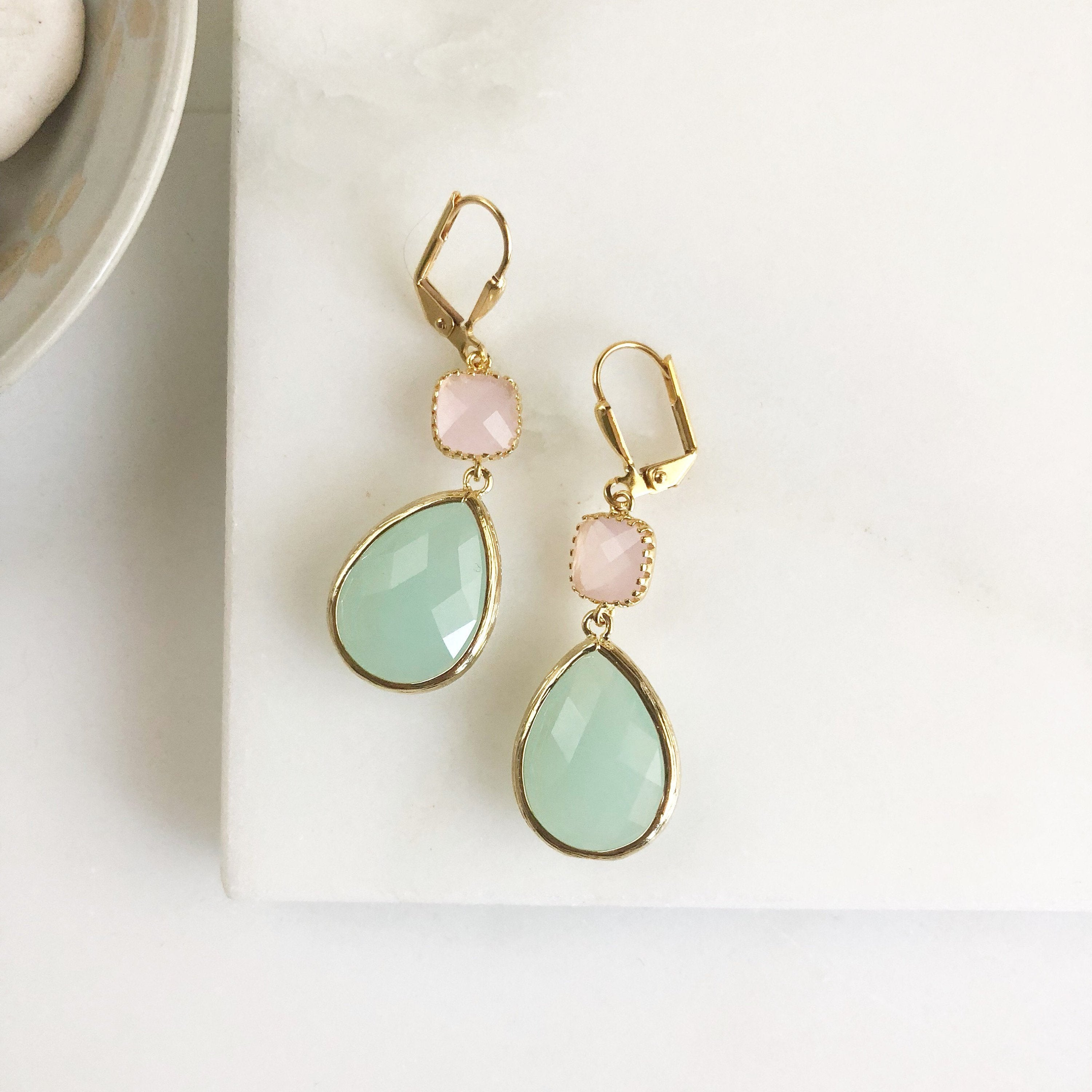 Bridesmaids Earrings in Mint and Pink. Wedding Jewelry. Dangle Earrings. Drop Earrings. Pink and Mint Green Bridesmaids Jewelry. Gift.
