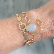 Oval Bezel Gold Chain Bracelet. Simple Gold Textured Chain Stone Bracelet