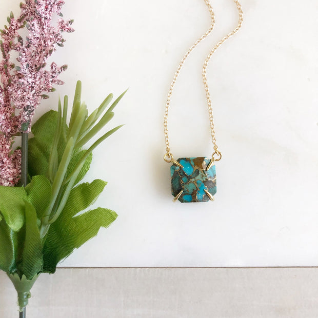 Turquoise Chunky Stone Necklace in Gold. Turquoise Gold Marble. Statement Necklace.