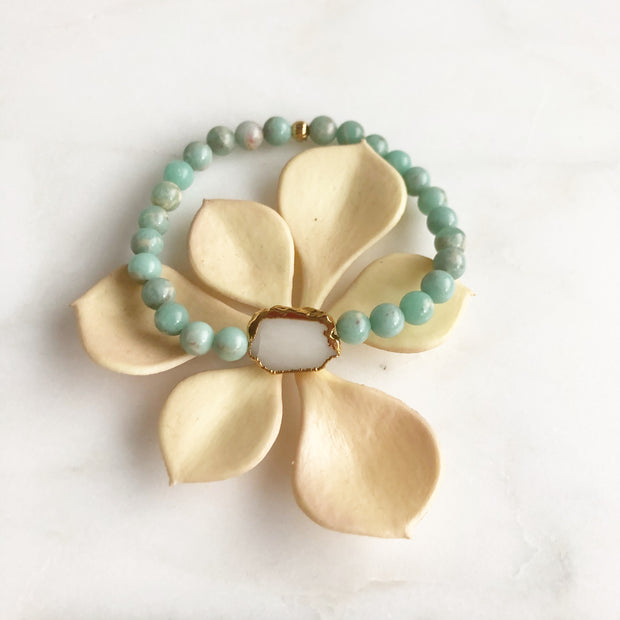White Quartz Slice and Smooth Amazonite Beaded Bracelet. Gemstone Bracelet. Stretchy Bracelet.