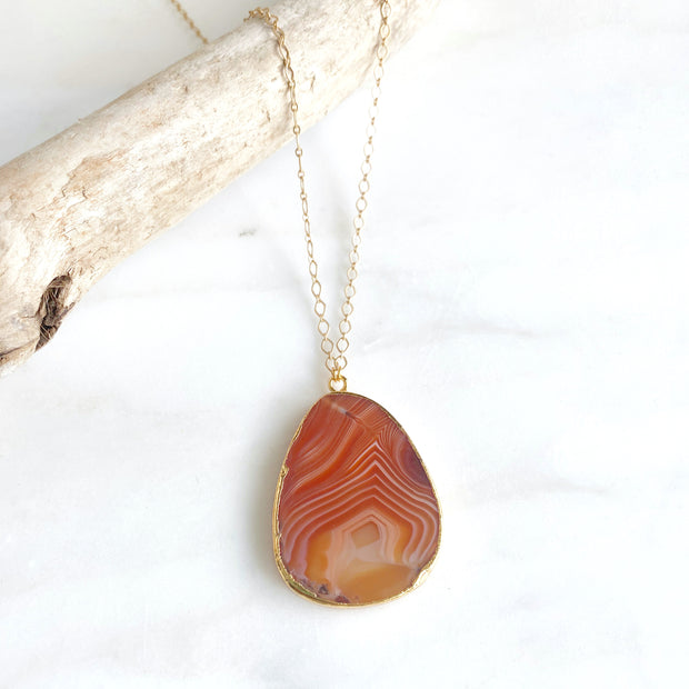 Red Agate Long Stone Necklace in Gold. Fall Fashion Jewelry. Autumn Necklace