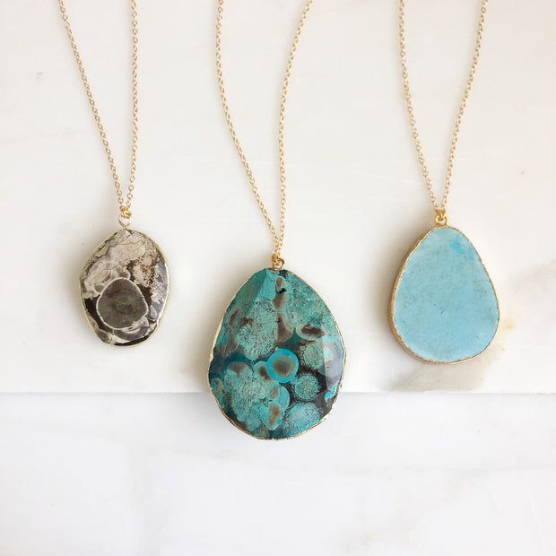 Statement Solitary Stone Necklaces. Simple Unqiue Necklaces in Gold. Long Gold Gemstone Necklace.