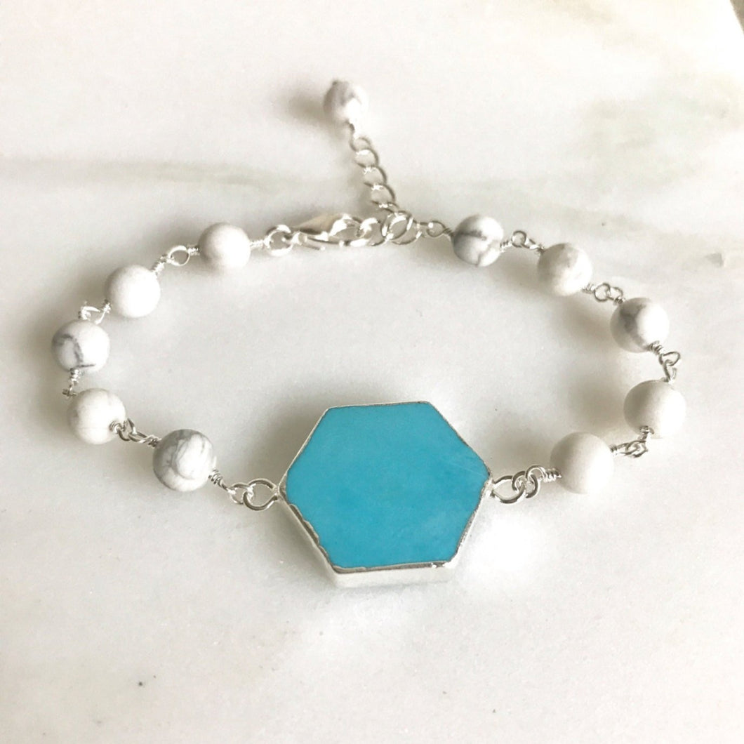 Turquoise and White Bracelet in Silver. Turquoise and White Beaded Bracelet. Gemstone Bracelet. Beaded Bracelet. Gift.