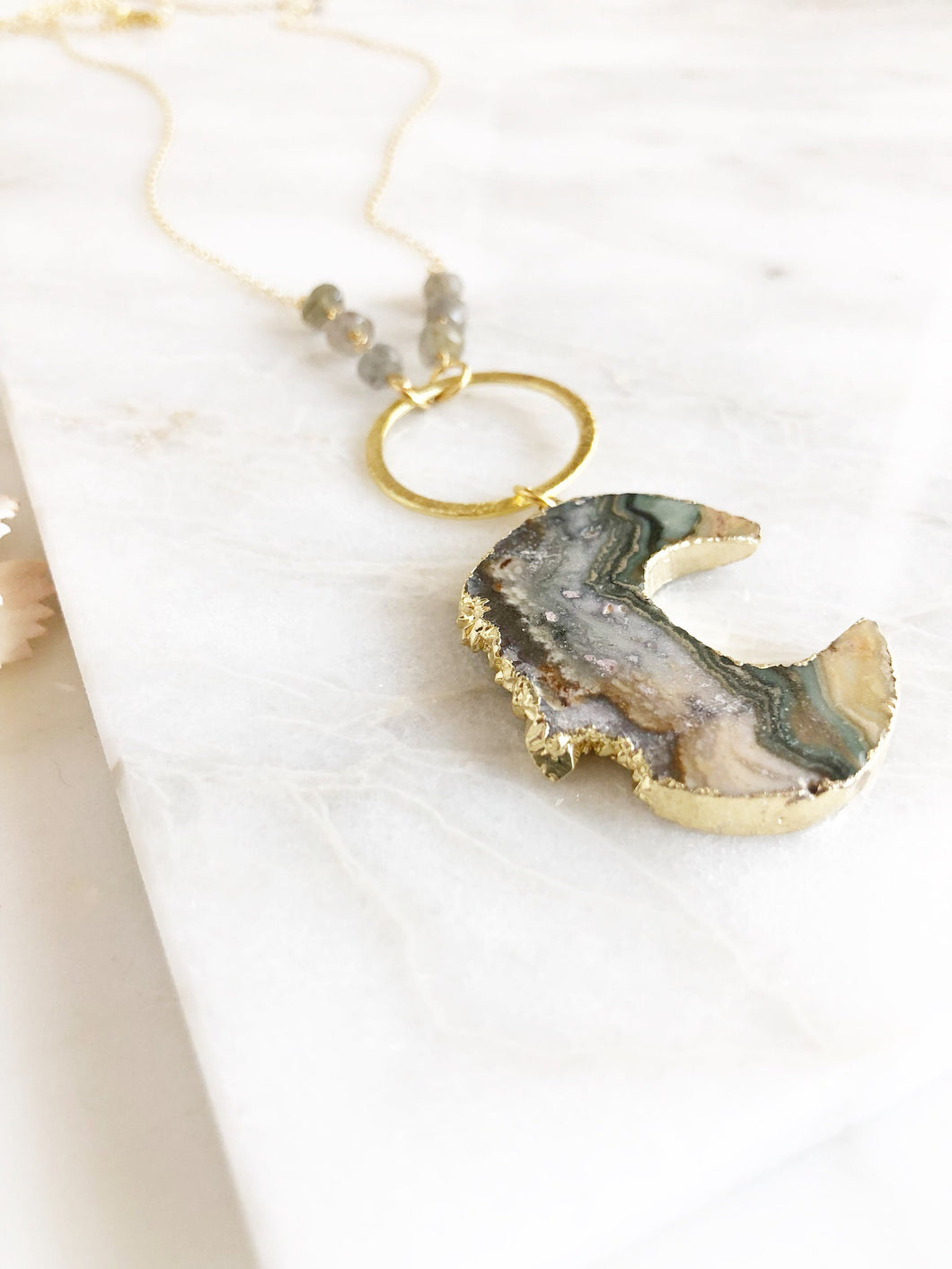 Long Amethyst Raw Crystal Necklace in Gold. Long Raw Stone Necklace. Bohi Necklace. Bohemian Jewelry. Gift Ideas for Her.
