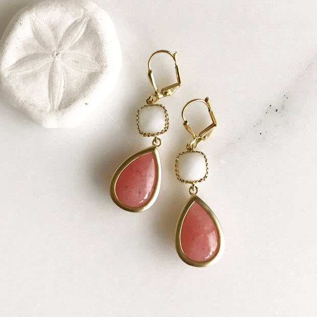 Bridesmaids Earrings in Coral Pink and White. Drop Dangle Earrings. Bridesmaid Earrings. Gift Wedding Jewelry