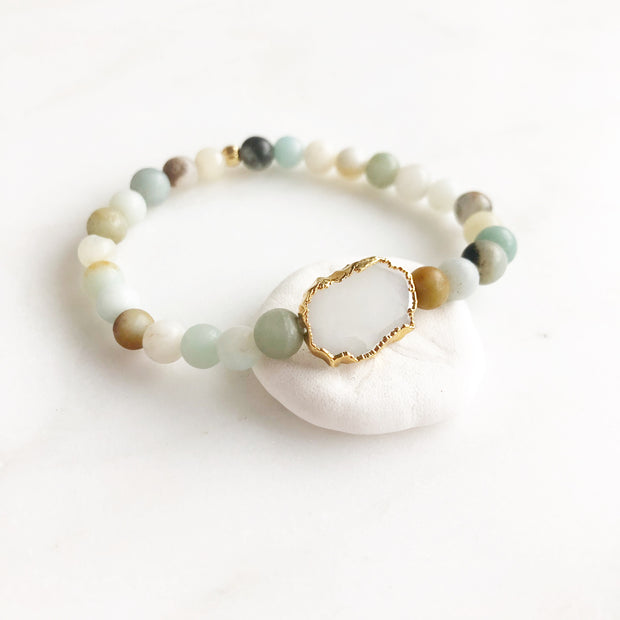 White Quartz Slice and Multicolored Amazonite Beaded Bracelet. Gemstone Bracelet. Stretchy Bracelet.