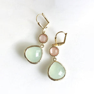 Mint and Grapefruit Pink Dangle Earrings. Bridesmaids Earrings. Bridal Drop Earrings. Coral Mint Gold Fashion Earring. Gift. Jewelry.