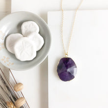 Load image into Gallery viewer, Purple Quartz Stone Statement Necklace in Gold.
