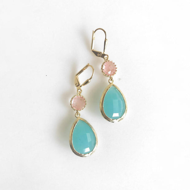 Turquoise and Coral Pink Dangle Earrings in Gold. Bridesmaids Earrings. Drop Earrings. Grapefruit Pink and Teal Jewelry. Wedding Earrings