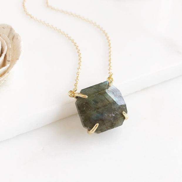 Labradorite Chunky Stone Necklace in Gold. Grey Gemstone Necklace. Geode Necklace.