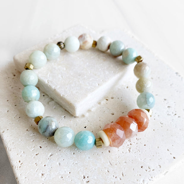 Sunstone and Amazonite Beaded Bracelet. Stretch Bracelet with Gemstone Beads and Gold Accents