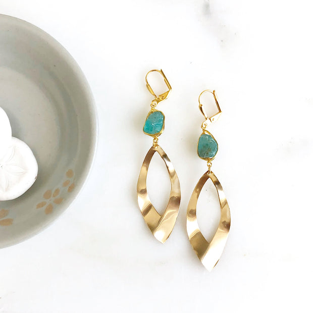 Wavy Teardrop Earrings with Fluorite Stones in Gold