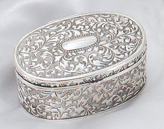 Elegant oval box