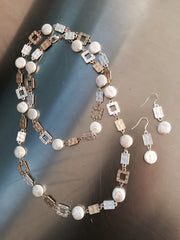 Metal and pearl necklace set