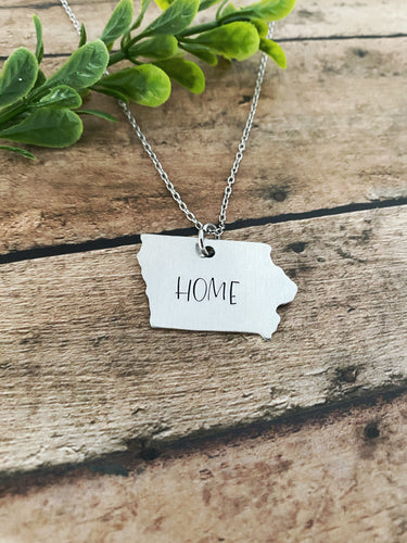 "Iowa ""home"" necklace"