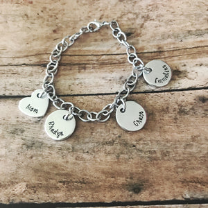 Wide link charm bracelet for mom with name pendants