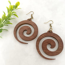 Load image into Gallery viewer, Wood earrings style 9