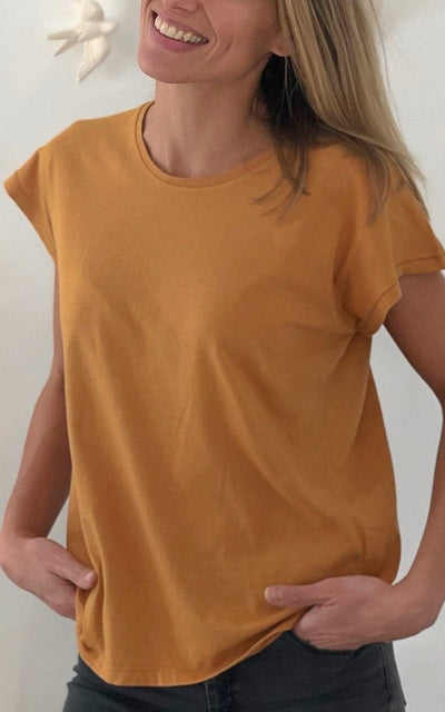 T shirt femme col rond manche courte coton bio souple coupe loose jaune moutarde curry uni suny