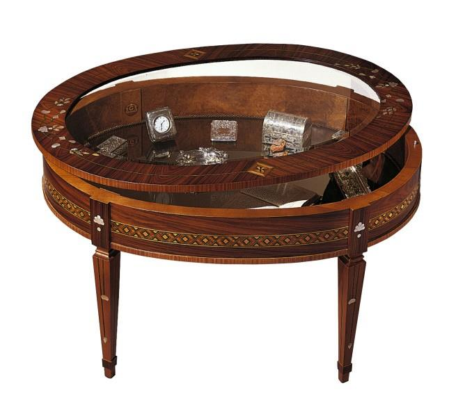 Coffee table/show case T596