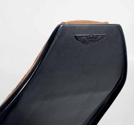 V007 chaise rear view
