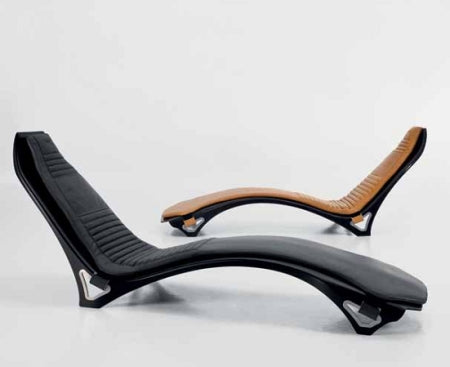 V007 chaise side view