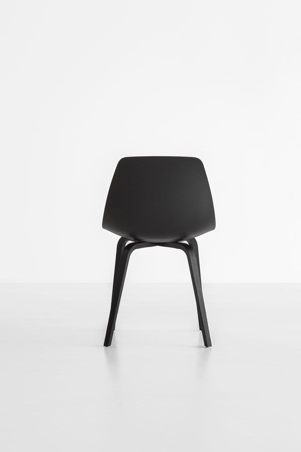 Miunn Stool / Sled Base - italydesign.com