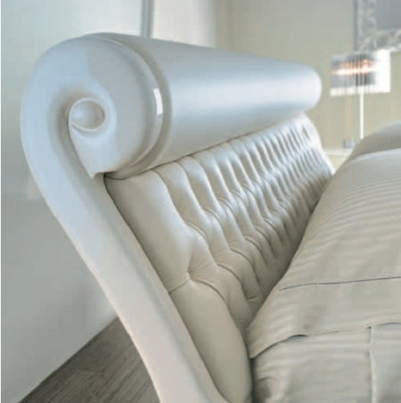 close view of the Belle Amour Letto Bed headboard